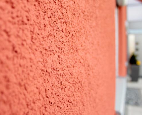 Fassadengestaltung, Intensivfarbtöne Fassade