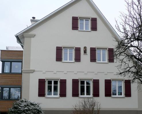 Fassadengestaltung, Lisenen, historische Fassade, Stuckgesims, Fensterfaschen, Fassadenornamente